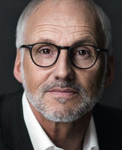Gerhard S.